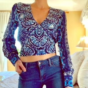 NEW FREE PEOPLE Blue V-Neck Long Sleeve Top SMALL